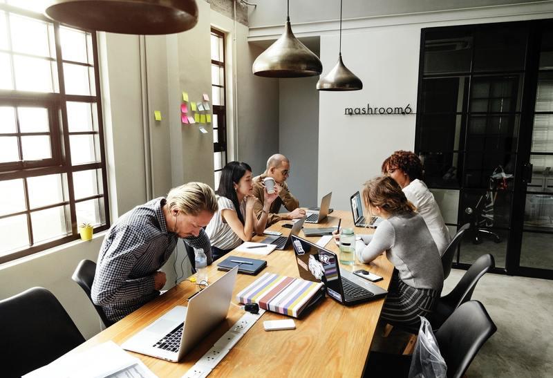 Brainstorming colleagues communication 1204649